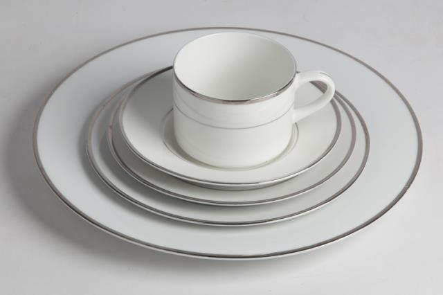 Rent Dinner Collection Silver
